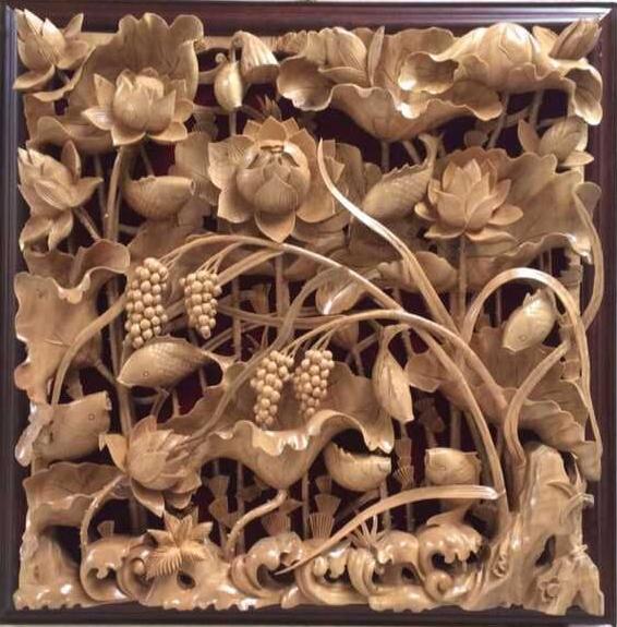 刘也和八十年代离开工艺雕刻厂创立个人木雕创作工作